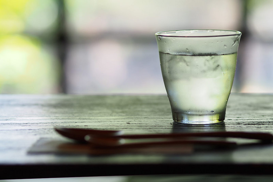 how.much water should.i.drink on a keto diet